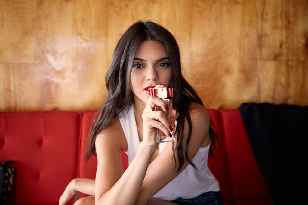 ESC: Kendall Jenner, Modern Muse Le Rouge