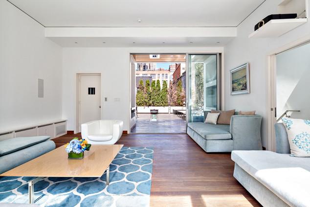 Jonas Brothers, NYC Airbnb