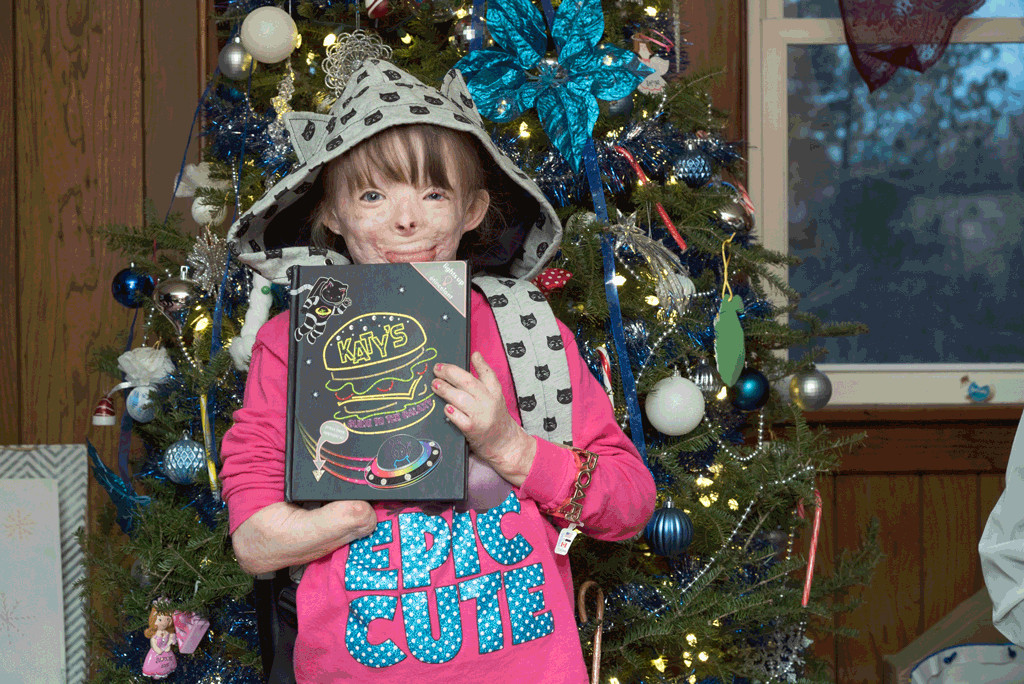 Katy Perry Sends Burn Victim Safyre Terry Handwritten Letter and Box ...