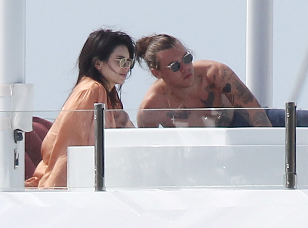 Kendall Jenner, Harry Styles, PDA