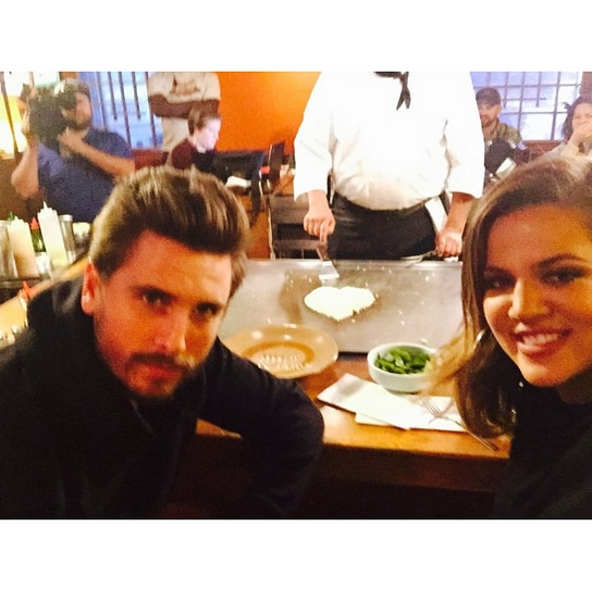 Lunch Dates From Khlo Kardashian And Scott Disicks Love Affair  E News-1408