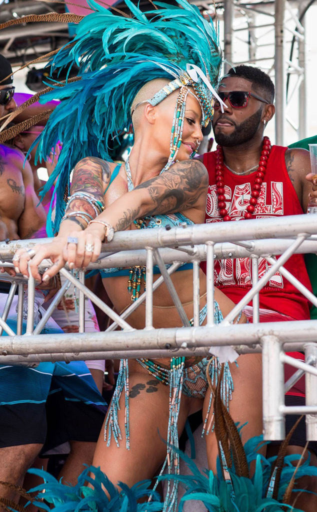 Watch A Nearly Naked Amber Rose Grind Her Butt On A Guy At -6919
