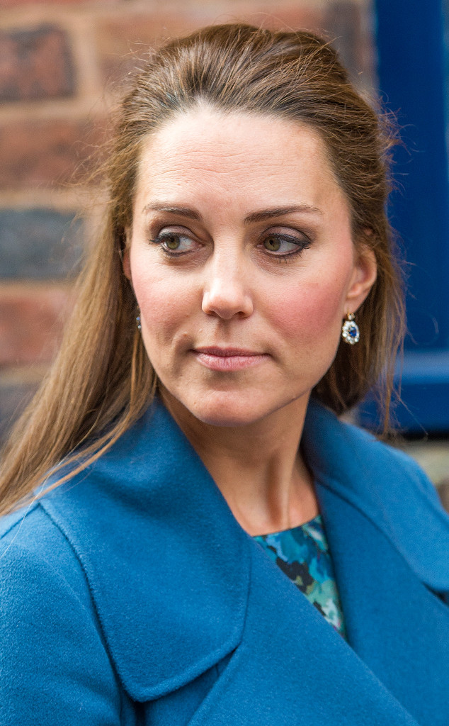 Pregnant Kate Middleton Flashes Her Gray Hair And We Love