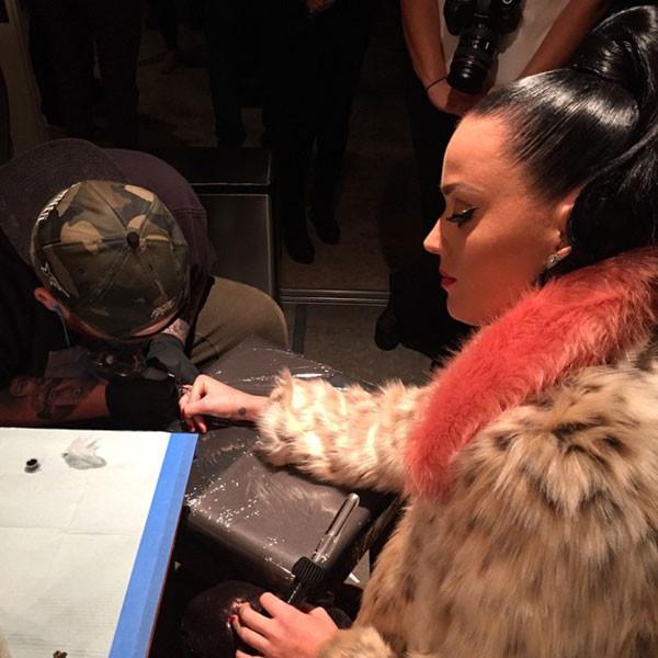 Katy Perry Gets Super Bowl Xlix Tattoo Plus John Mayer