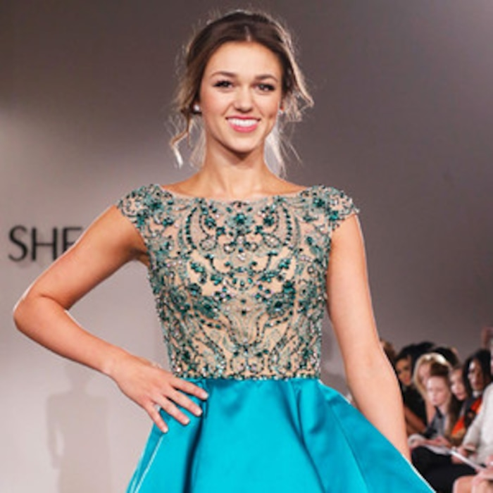 d64309ef963 Sadie Robertson From Duck Dynasty Talks New Daddy-Approved Dresses ...
