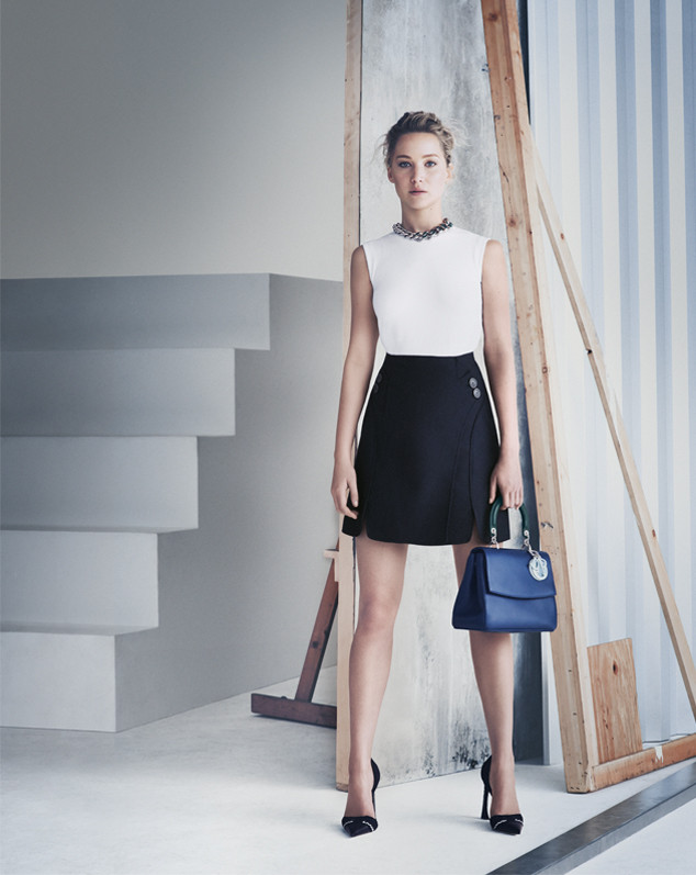 b0f964458ff Jennifer Lawrence Is Stunning Per Usual in New Dior Handbag Campaign—Take a  Look! | E! News France