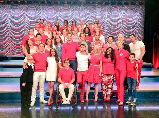 Glee Cast, Twitter
