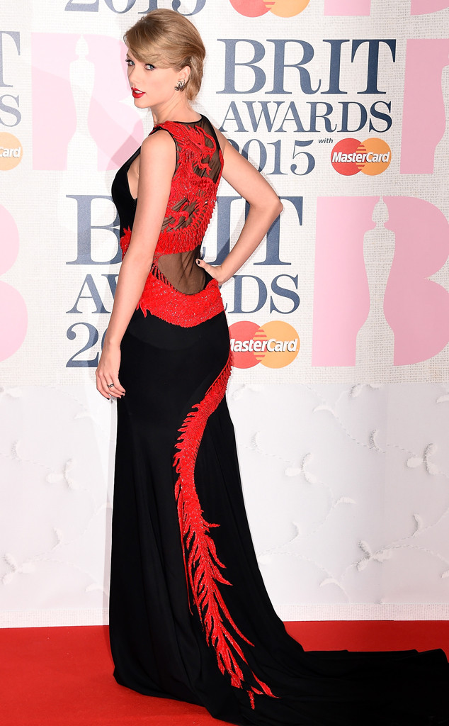 2015 Brits Taylor Swift Wears Sexy Gown Charli Xcx Shows Side Boob E Online Ca