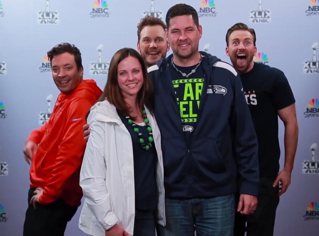 Chloe Kim photobombs fans with Jimmy Fallon on The Tonight ...