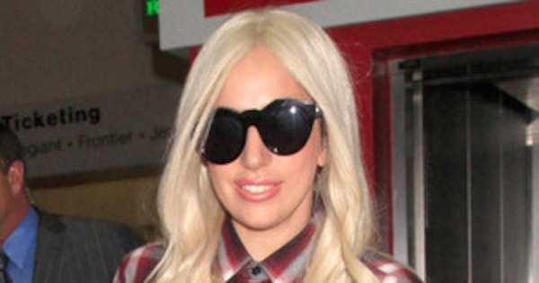 Lady Gaga Forgets To Wear Pants At The Airport See Her Nearly Naked Travel Style  E -1421