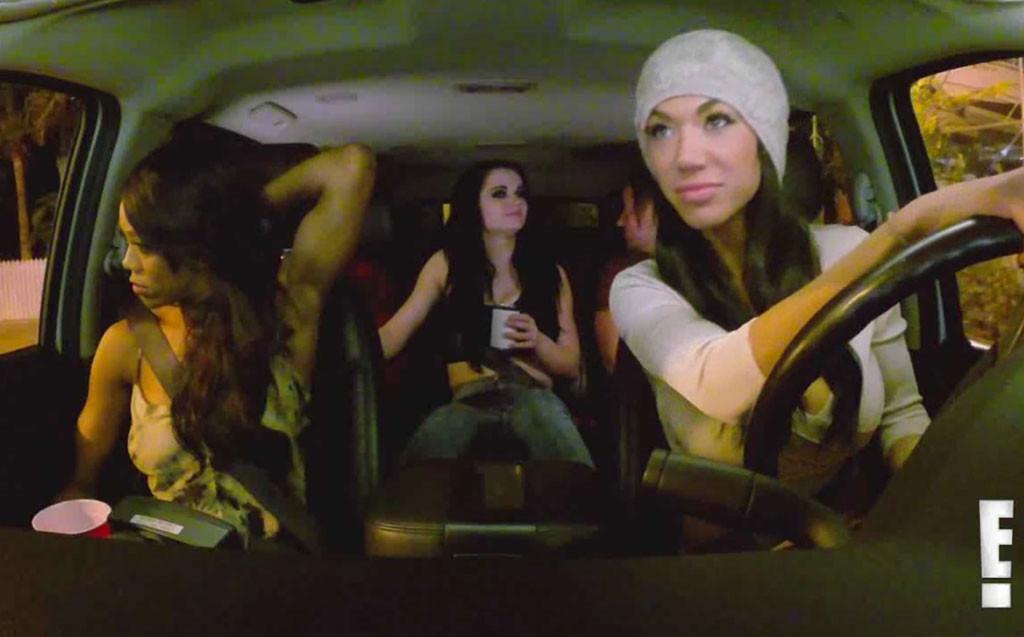 Total Divas, Watch Rosa Fail While Parallel Parking