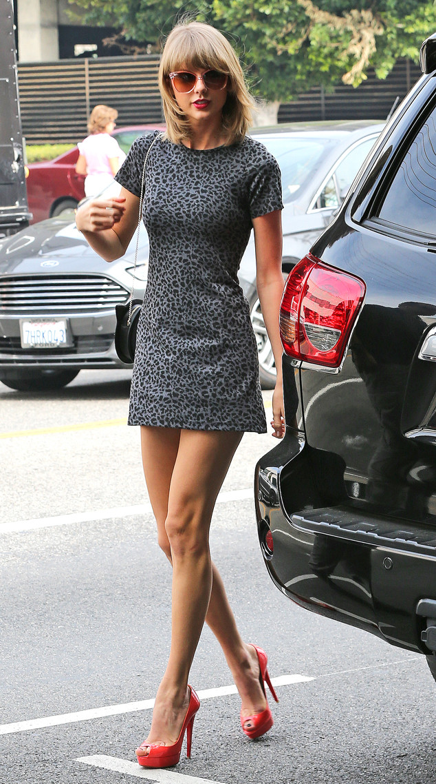 Taylor Swift S Legs Are Worth How Much E Online