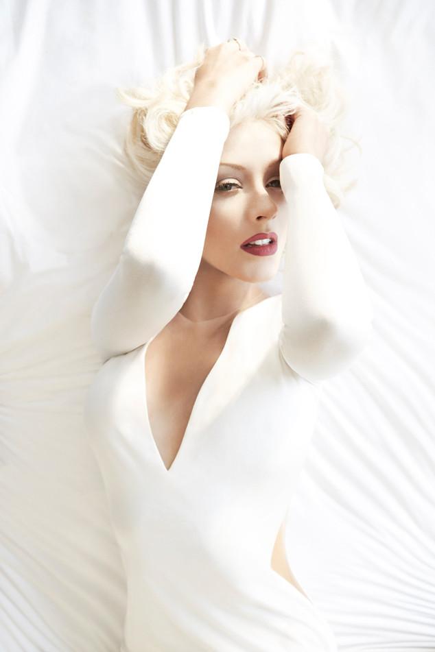 Christina Aguilera, Woman
