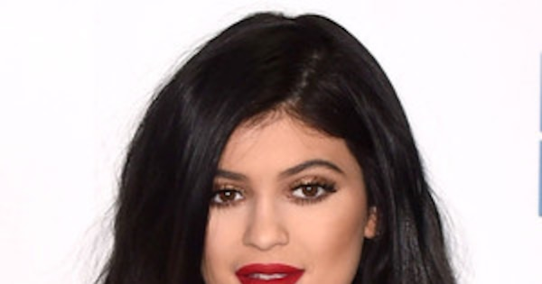 Kylie Jenner Shows Bra In Semi-Sheer Outfit In Londonsee Pics  E News-5015