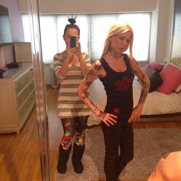 How Much Does E News Anchors Make: Tara Reid Is Now Completely Covered In Tattoos—Check Her