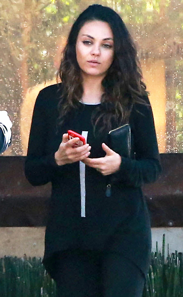 Makeup Post Youtube: Mila Kunis Goes To Lunch Without Makeup, Shows Off Even
