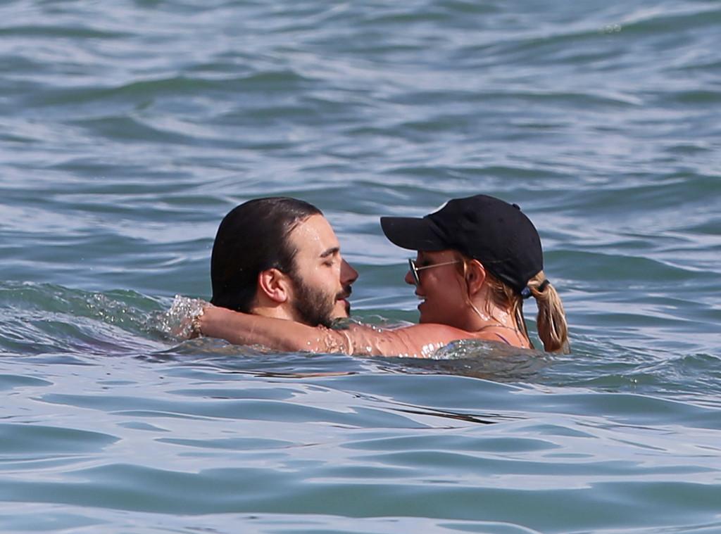 Britney Spears, Charlie Ebersol, Hawaii