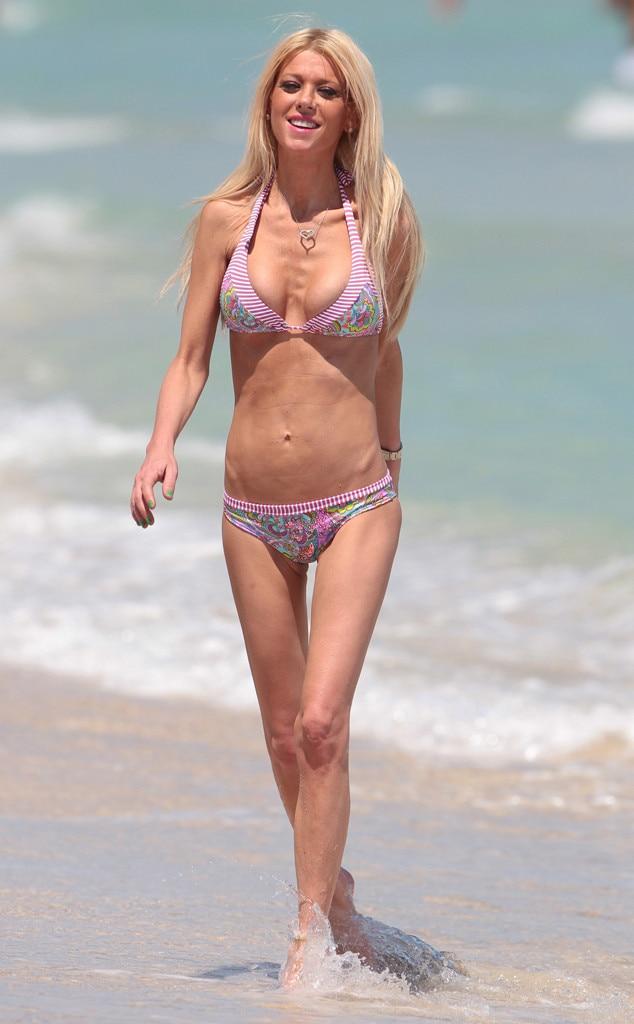 Tara reid bikini pics