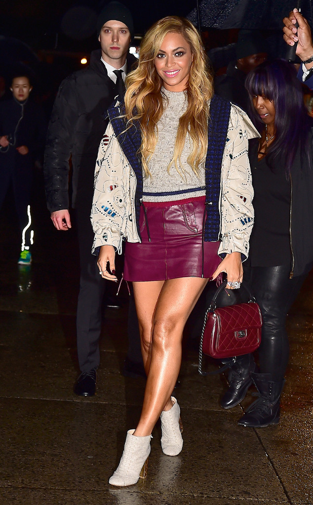 Beyoncé Shows Off Legs for Days in Sexy Purple Skirt While Making Surprise Appearance at Chanel Fashion Show