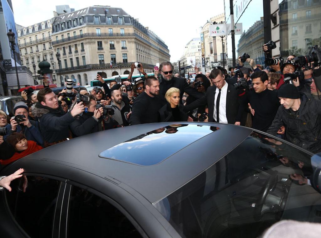 Kendall Jenner, Kim Kardashian, Balmain, Paris Fashion Week