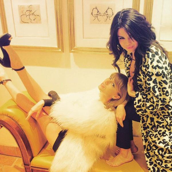 Selena Gomez, Taylor Swift, Haim