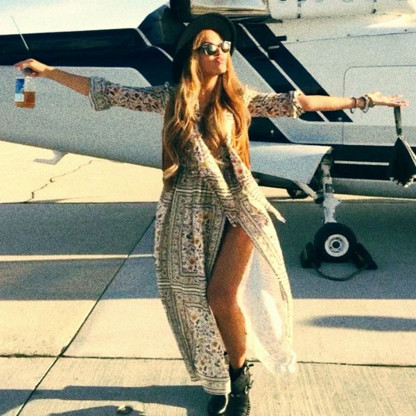 You Ll Never Guess How Much Beyonc 233 S Coachella Outfit