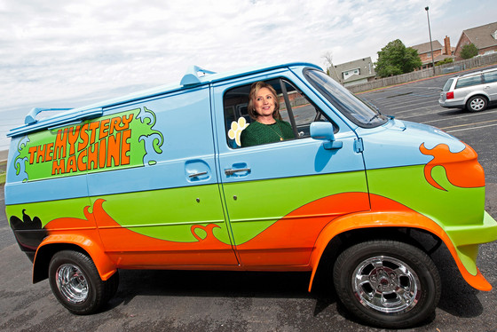 Hillary Clinton, Scooby, Mystery Machine