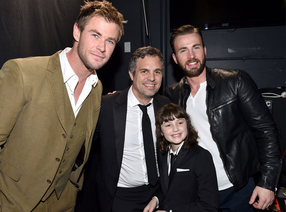 Chris Hemsworth, Mark Ruffalo, Chris Evans, Keen Ruffalo