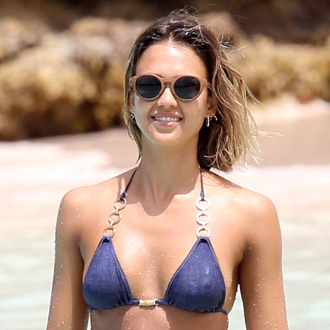 49 Hottest Jessica Alba Sexy Feet Pictures Will Melt Ya!