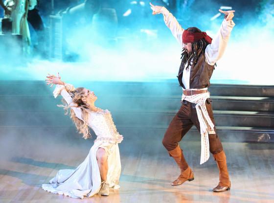 Allison Holker, Riker Lynch, Dancing with the Stars