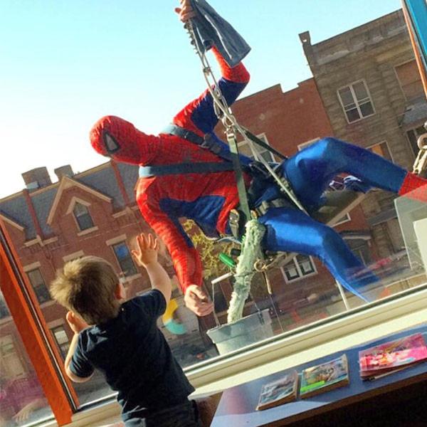 Spiderman, Window Washer, Children's Hospital, Twitter
