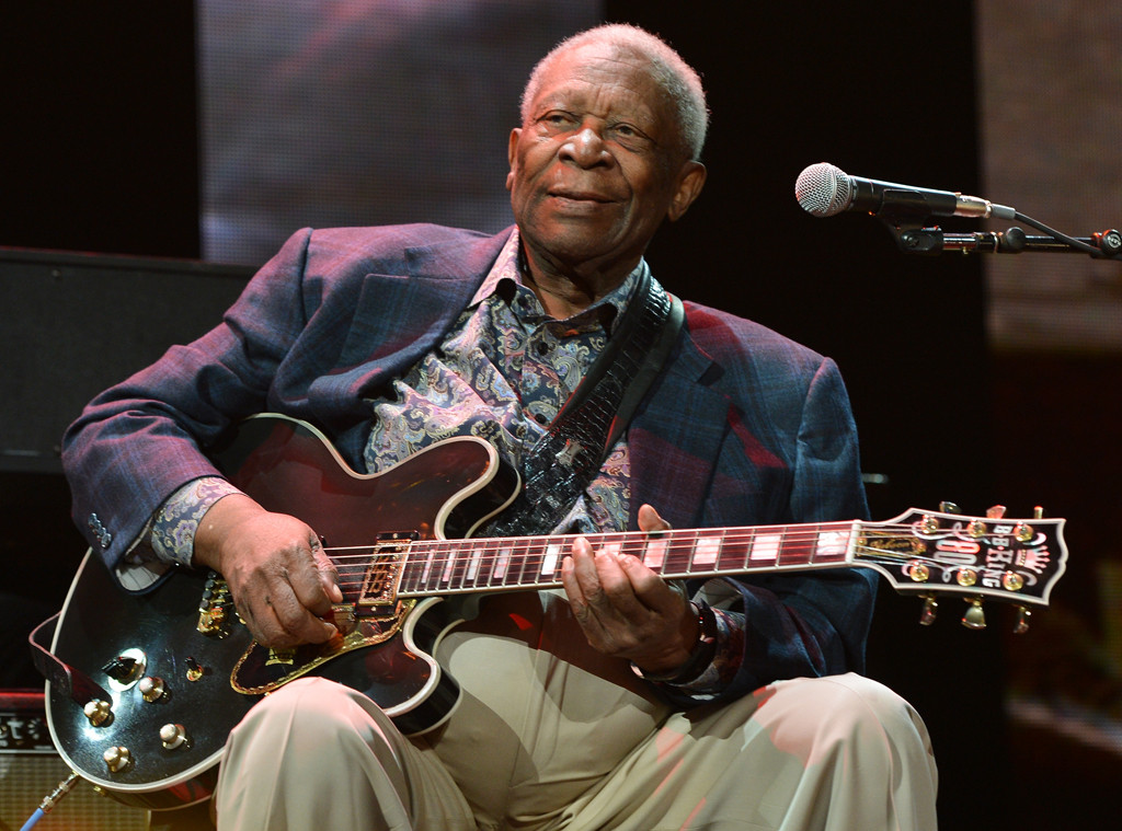 Bb King Dies At Age 89 Kelly Clarkson Buddy Guy Ringo Starr And