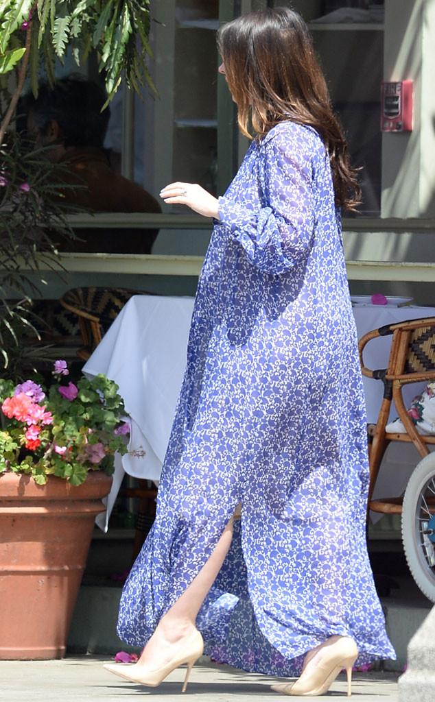 Jennifer Love Hewitt Dresses Her Growing Baby Bump in Blue