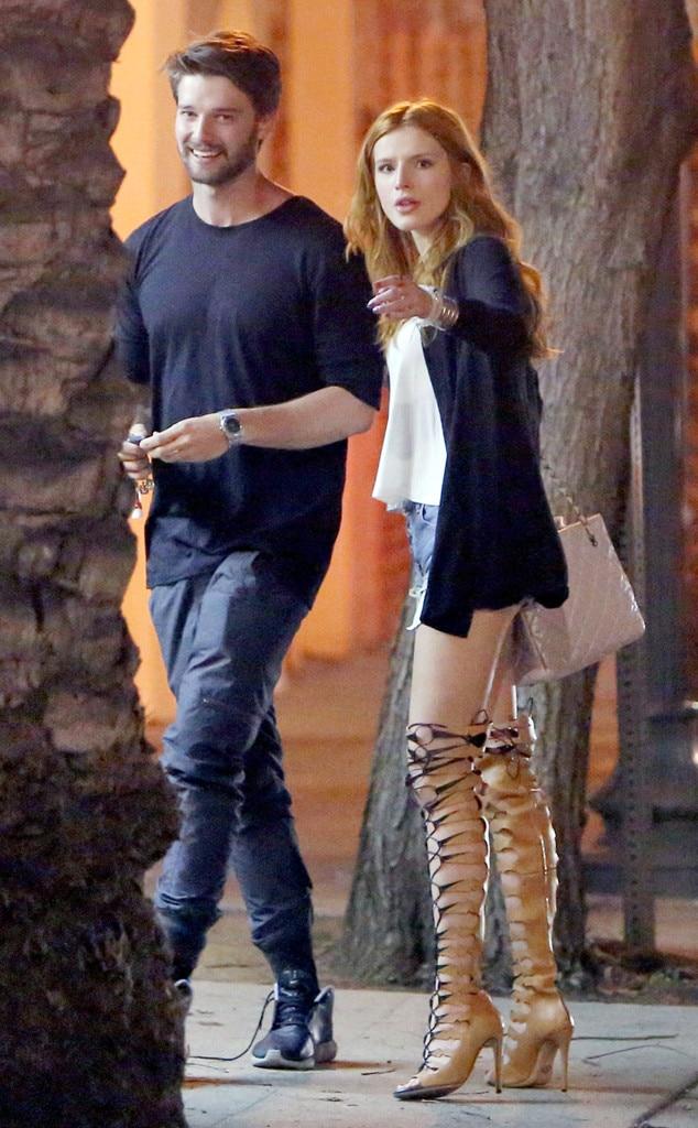Miley cyrus kissing ashley tisdale