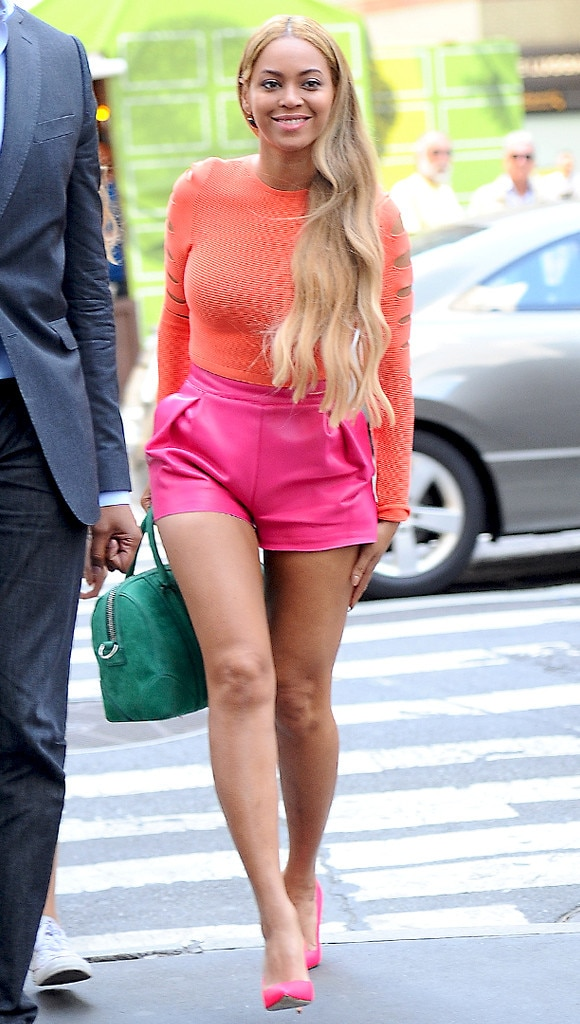 df8ac87b752 More) Summer Brights from Beyoncé s Street Style