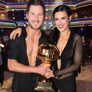 Whos hookup on dancing with the stars australia