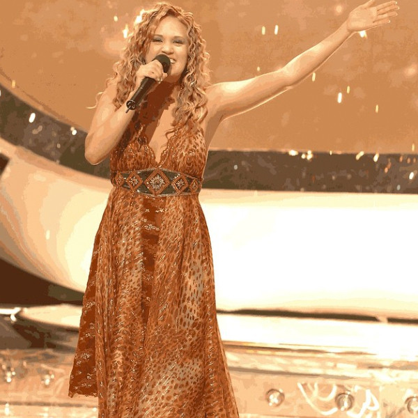 It S Been 10 Years Since Carrie Underwood Won American Idol See Her Style Transformation In Pictures E Online
