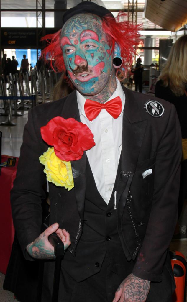 Jennifer Lopez, Confetti, Richie the Barber Clown