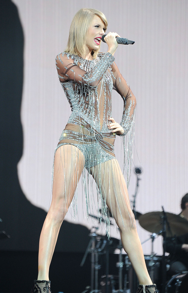 Taylor Swift Reveals Her 1989 World Tour Costumes—Lots of ...