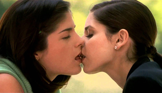 Sarah Michelle Gellar, Selma Blair, Cruel Intentions, Kiss