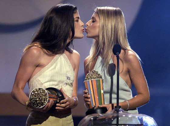 Selma Blair, Sarah Michelle Gellar, Best Kiss