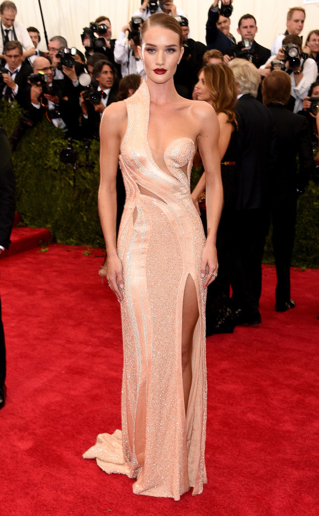 Rosie Huntington-Whiteley, Met Gala 2015