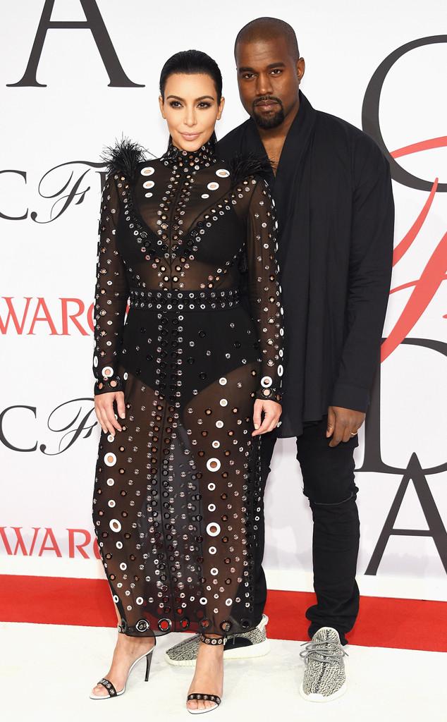 Kim Kardashians Boobs Take Center Stage On Rolling Stone -9084
