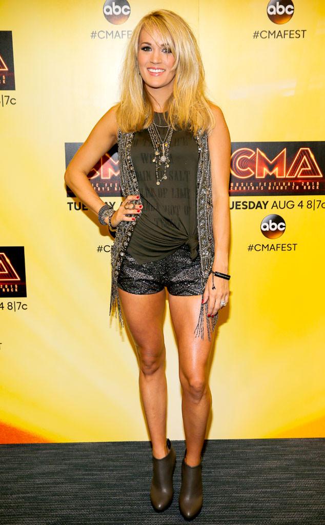 Carrie Underwood Has Car Window Broken After Singer S 4