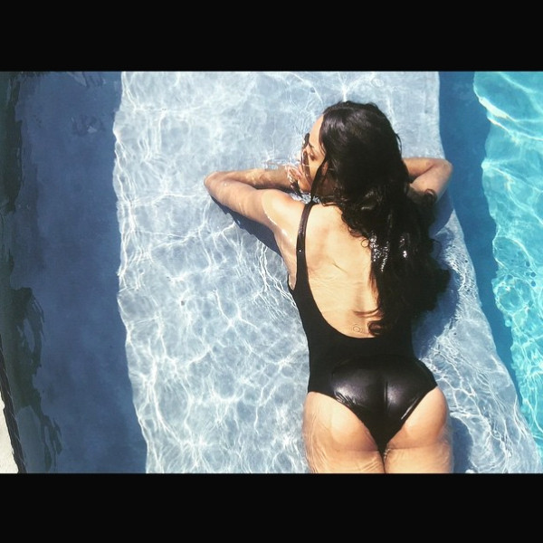 Ciara Flashes Her Booty In Sexy Swimsuit Picscheck It Out -9676