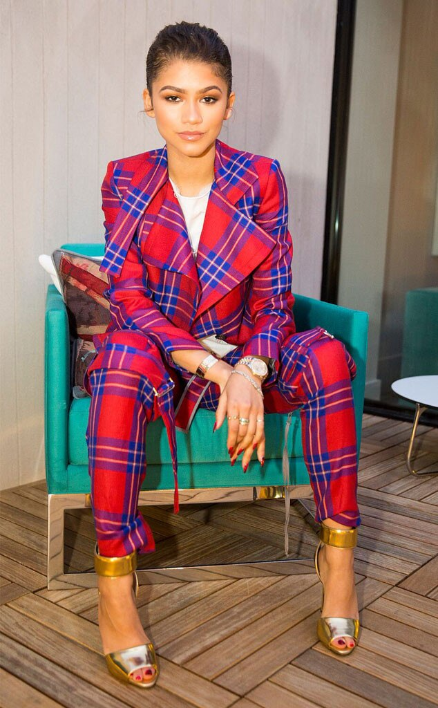 Zendaya Defends YouTube Makeup Artist After Twitter User