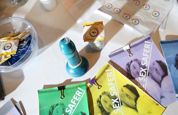 S.T.EYE Smart Condoms