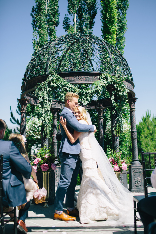 Lindsay Arnold Wedding.Dwts Pro Lindsay Arnold Marries High School Sweetheart See Pics Of