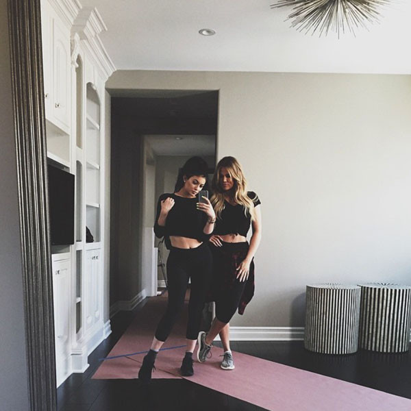 Moving Day Kylie Jenner Relocates Into New Home Near Khloe
