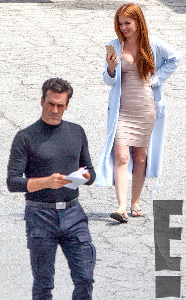 Isla Fisher Wears Skintight Dress Less Than 3 Months After